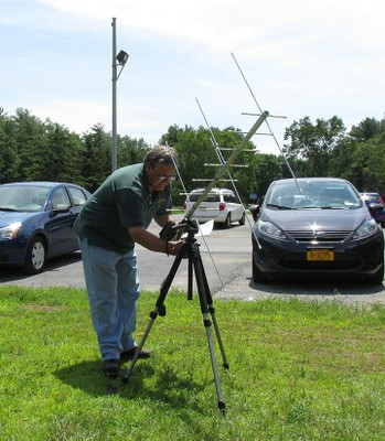 KD2CFJ setting up a satellite antenna.jpg